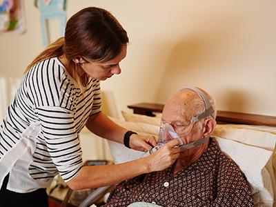 在宅で非侵襲的換気療法を実施するCOPDの患者さん