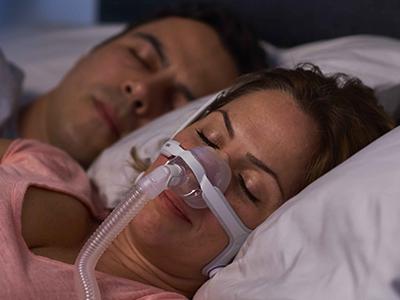 睡眠時無呼吸の患者さん向けのレスメド製CPAP鼻マスク